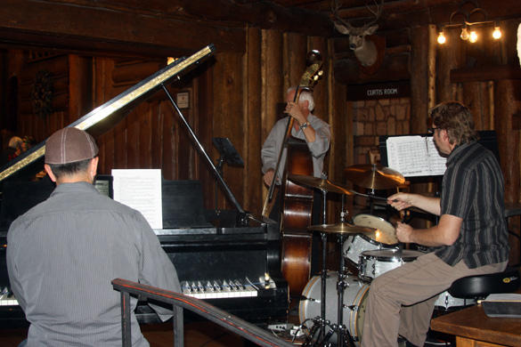Double A Trio Fuller Lodge